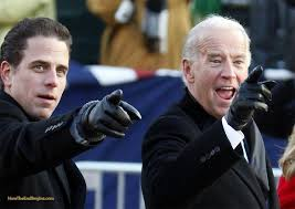 HunterBidenWJoeBidenPointing