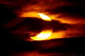 EclipseSunset10-23-14inSunsetCloudline