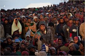 LibyanRefugeesCrowdTwilight