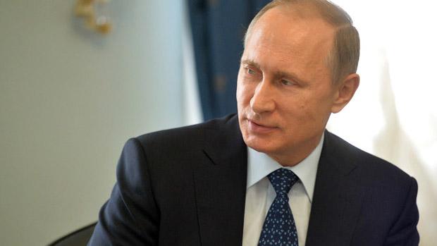 PutinSideturnedheadtalking