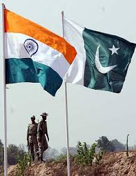 IndiaPakistan-FlagsOnBorder