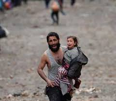Mosul-ManAndChildCryingRunning