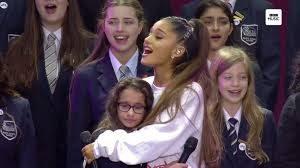 ArianaGrande-huggingchorister