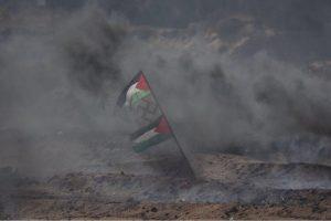 640px-PalestinianFlags-SwastikaGazaBorderProtests-Free-IDF