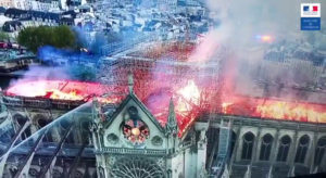 NotreDame_incendie_drone-daySRC-French Interior Ministry