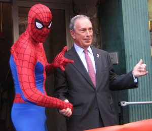 559px-New_York_City_Mayor_Mike_Bloomberg_at_Midtown_Comics2
