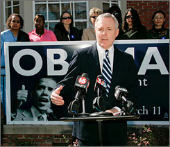 May Mabus on Campaign for Obama in 2008. Source: Rogelio Solis, AP.
