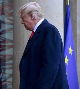 433px-Donald_Trump_walkinglookingdown_2018_SRC-cc-4.0