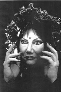 Maharani Parivarta, Magician Extraordinaire! Source: Meg Hodgets.