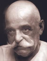 Gurdjieff-old-looking-to-right
